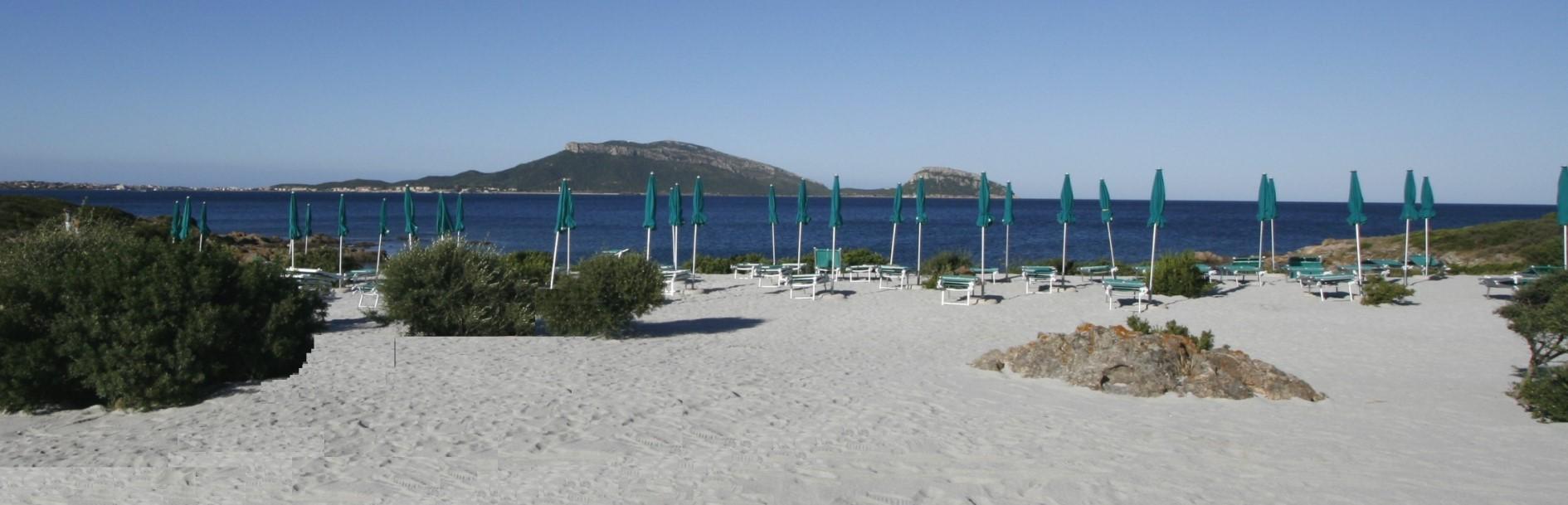 La Spiaggia riservata del Club Hotel Baia Aranzos Hotel  Sardegna